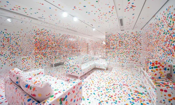 Amazing Art Experience - Kusama Obliteration Room