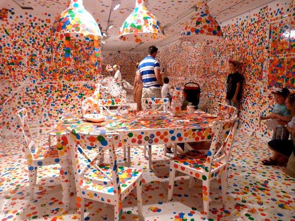 Amazing Art Experience - Kusama Obliteration Room