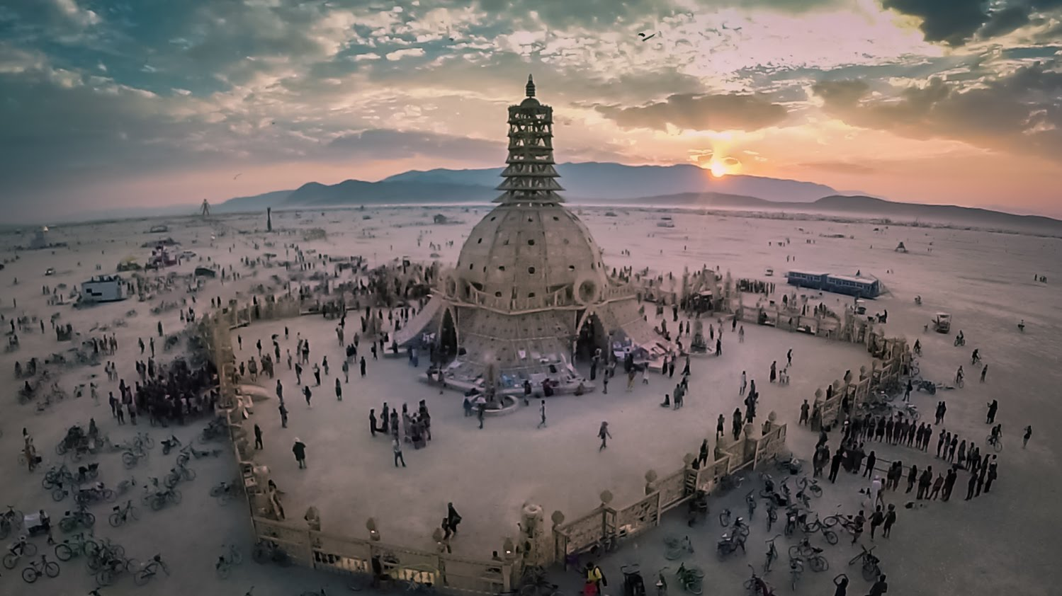 Burning Man Festival - Be artist Be art