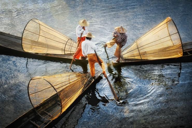 Myanmar Fisherman - by David Lazar - Be artist Be art - urban magazine