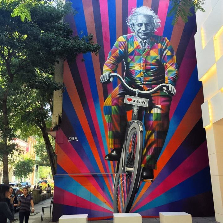 einstein street art - by Eduardo Kobra - be artist be art