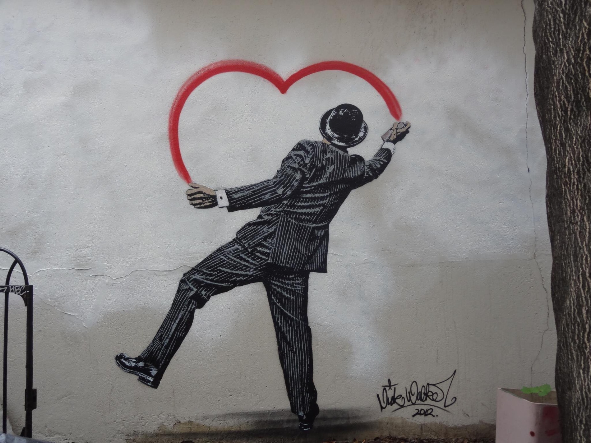 Spread love for Art - Street art - be artist be art