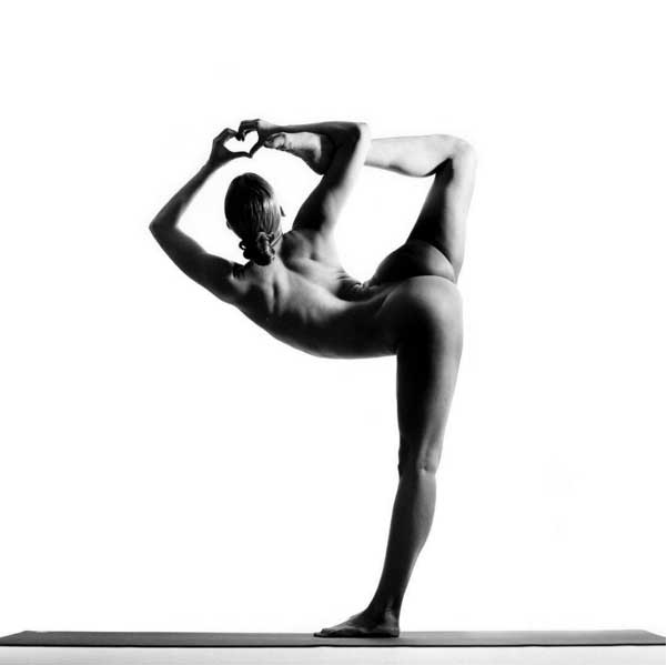 Nude yoga girl be artist be art