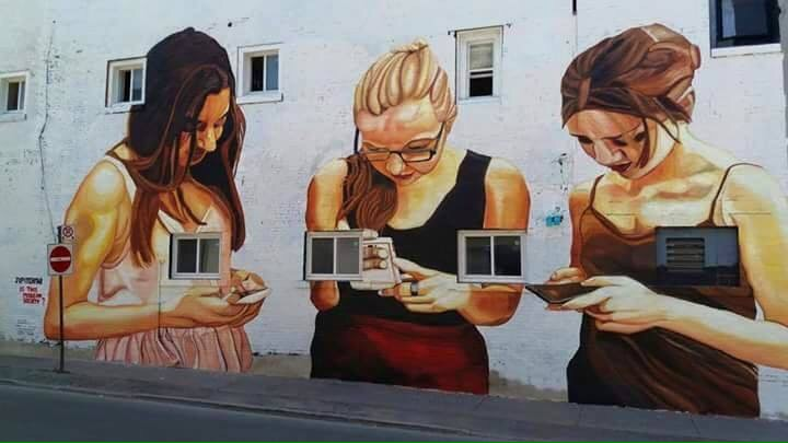 Social Life - Crictic #Streetart - be artist be art