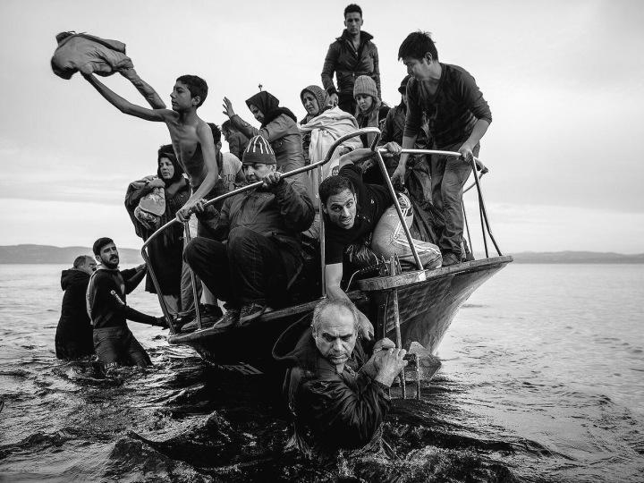 WorldSmileDay ?? Ask #refugees - Shameful world - be artist be art magazine