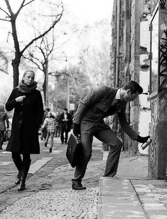 Breaking rules - #Vintage #Streetart - be artist be art magazine