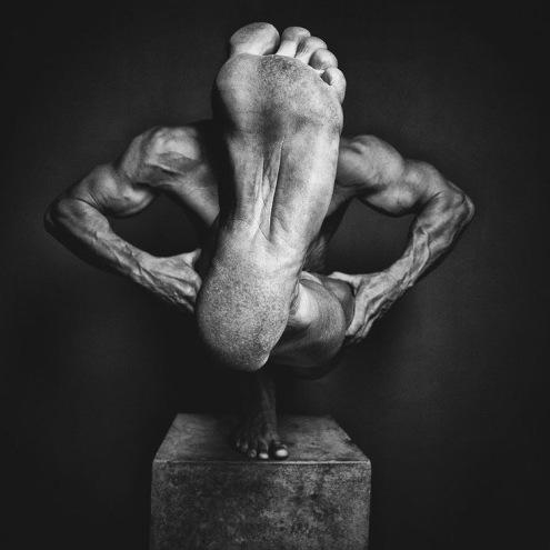 Impossible Human Sculptures - by Jorg Heidenberger - be artist be art magazine