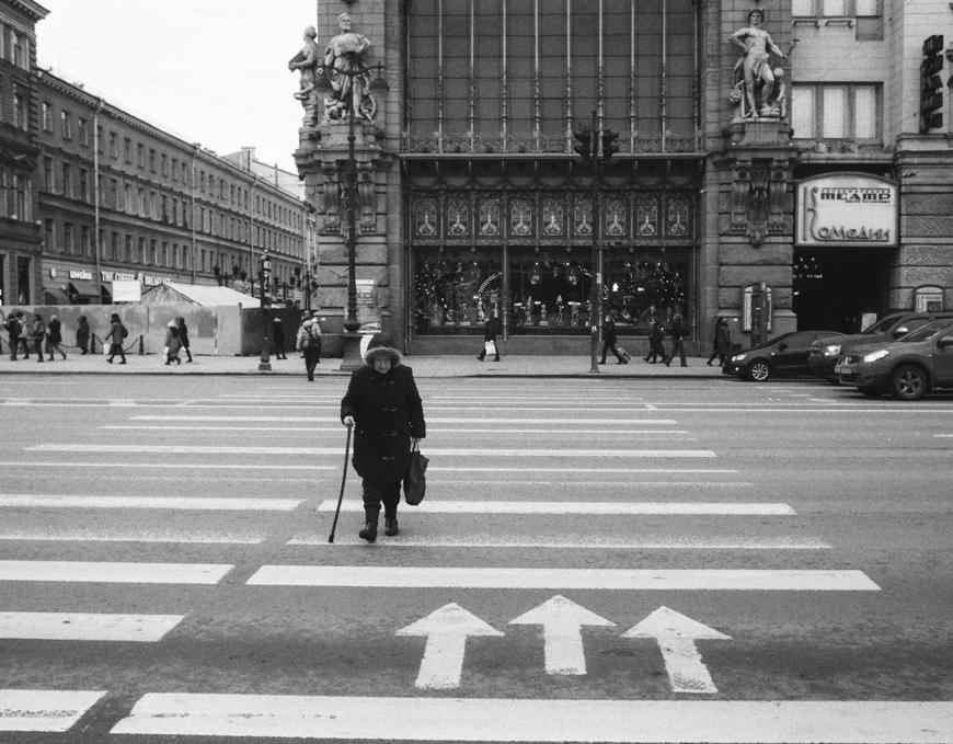 Saint Petersburg Streets - by George Bolkvadze - be artist be art