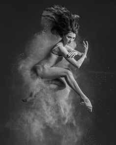 Ballerina´s Delicate & Raw Emotions - by Olga Kuraeva - be artist be art magazine
